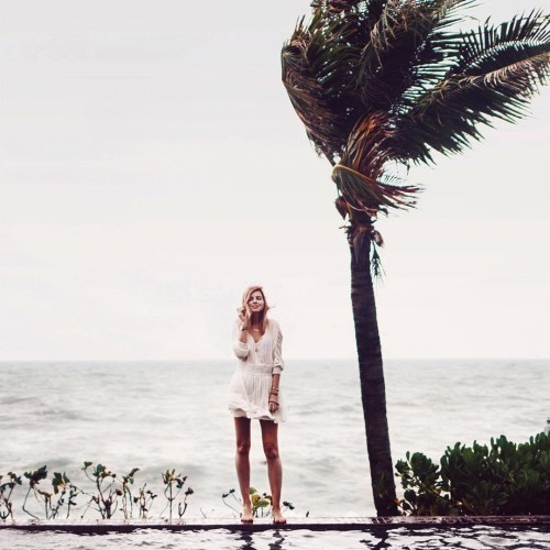 stormy today  infinitipool atthebeach fashionbloggerde germanblogger stormy volcom volcomwomens